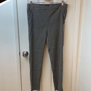 SOHO Black & White Checked Pants. Size Large